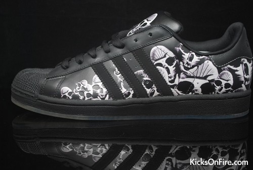 adidas superstar skulls