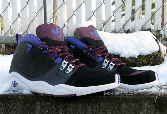 reputable site 82963 b23a3 A versão pretoroxo do FORTITUDE MID, que você confere nas fotos abaixo,  combina influências de tênis para basquete e hiking boots, com elementos  como suede ...