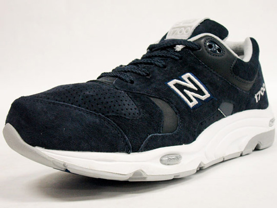 f1233a04de9 New Balance CM1700 Limited Edition Spring 2011 - SneakersBR