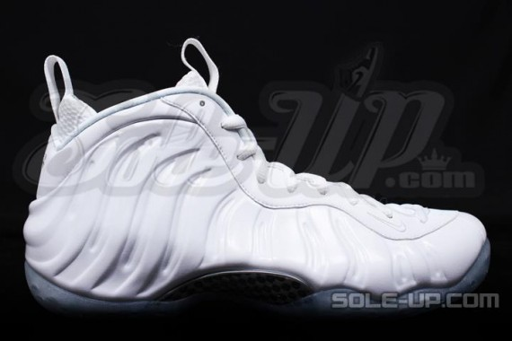 nike-air-foamposite-one-whiteout-1