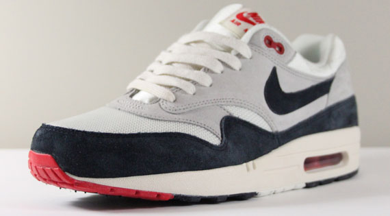 nike-air-max-1-og-white-navy-red-2
