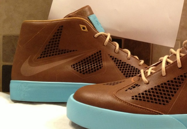 nike-lebron-x-nsw-lifestyle-sample-2