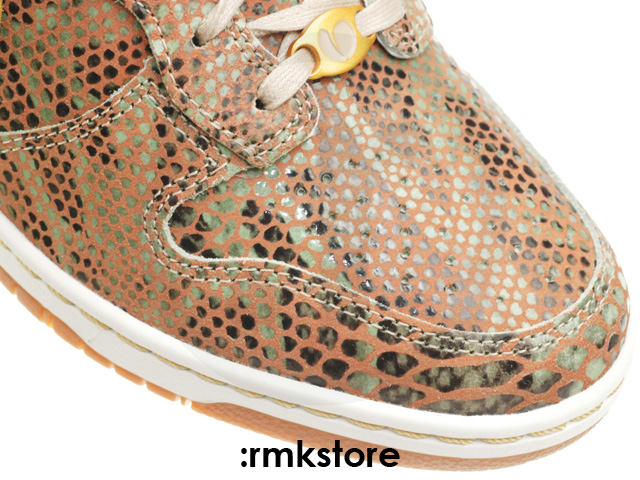 nike-wmns-air-max-1-year-of-the-snake-qs-10