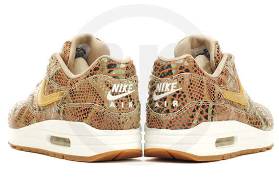 nike-wmns-air-max-1-year-of-the-snake-qs-3