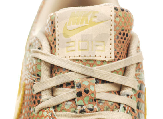 nike-wmns-air-max-1-year-of-the-snake-qs-4