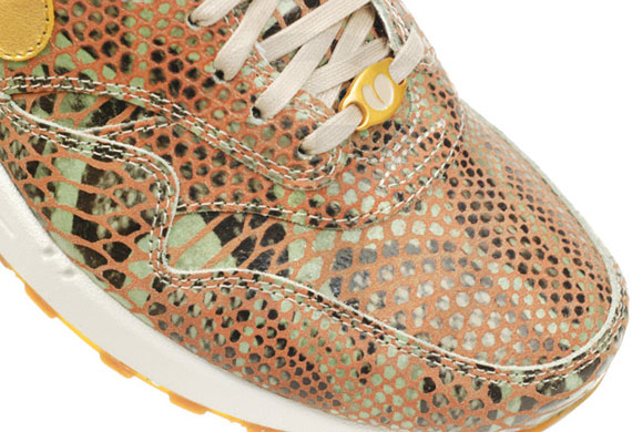 nike-wmns-air-max-1-year-of-the-snake-qs-5