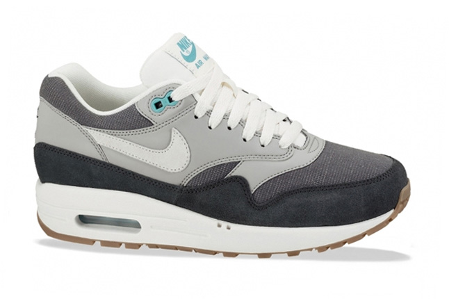 nike-am-1-vntg-anthracite-grey-profile-1