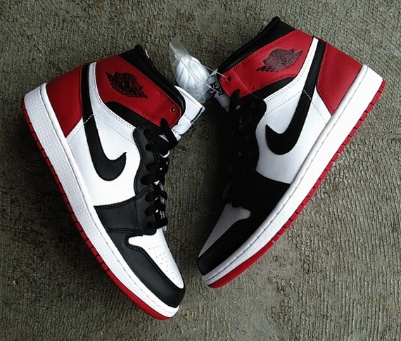 nike-air-jordan-1-black-toe-release-date-1