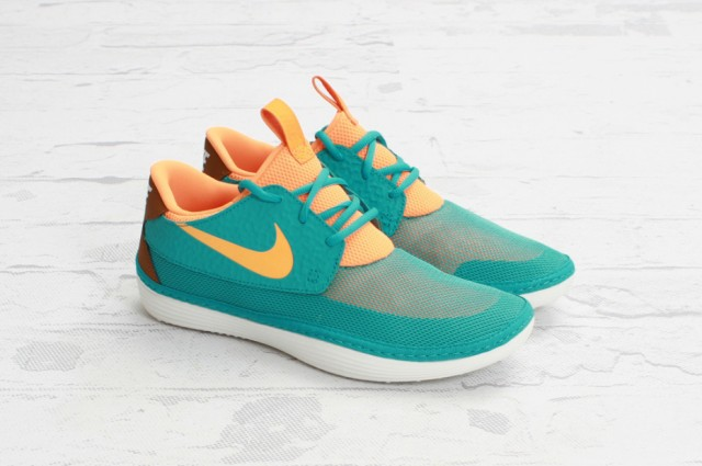 nike-solarsoft-moccasin-sport-turquoise-bright-citrus-01