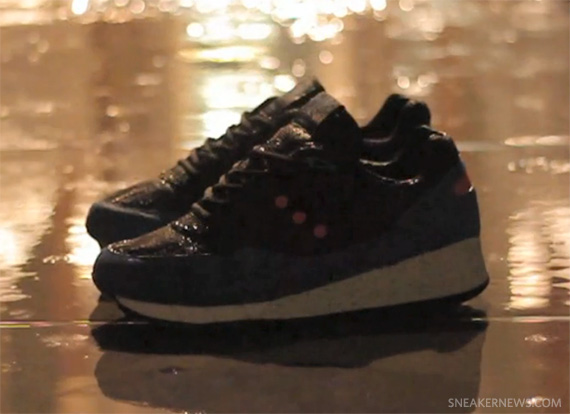 saucony-foot-patrol-only-in-soho-grid-9000-teaser-1