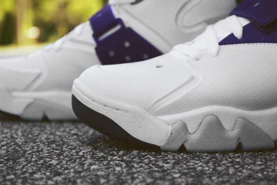 nike-air-force-max-2013-grape-arriving-at-retailers-02-570x380