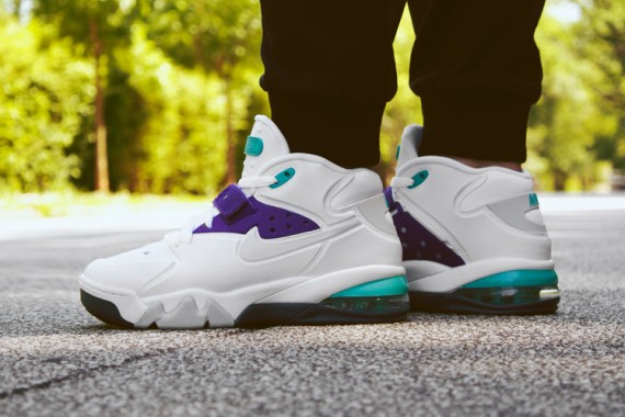 nike-air-force-max-2013-grape-arriving-at-retailers-03-570x380