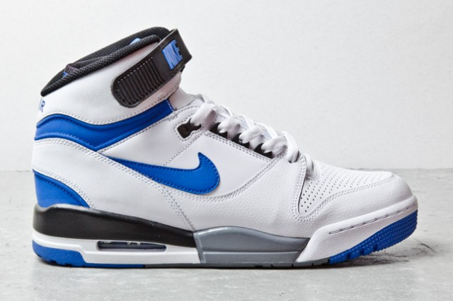 nike-air-revolution-wht-blue-1-1