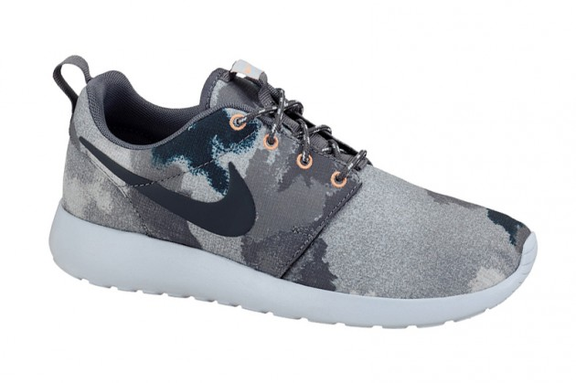 nike-roshe-run-watercolor-camo-pack-2