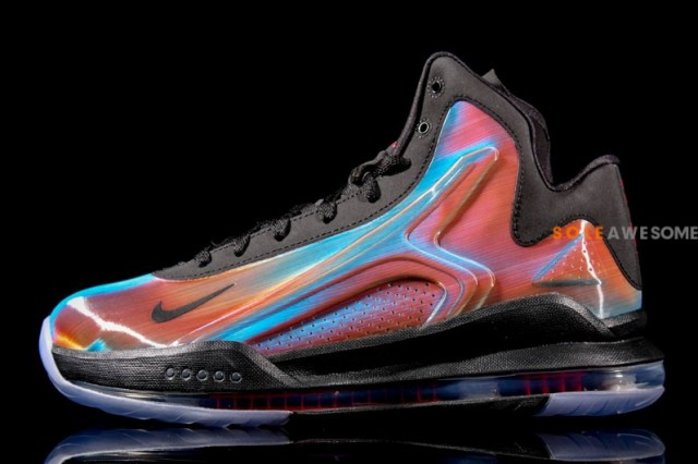 nike-vis-zoom-hyperflight-hologram-2