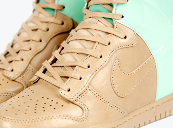 nike-wmns-dunk-sky-high-vt-qs-1