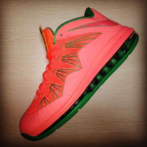 nike-lebron-x-low-fall-2013-releases-03-570x570