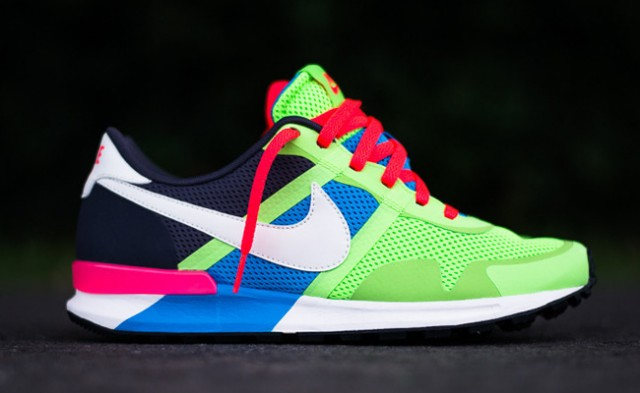 nike-air-pegasus-83-30-blue-hero-flash-lime-1
