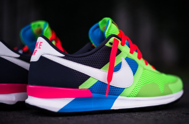 nike-air-pegasus-83-30-blue-hero-flash-lime-3