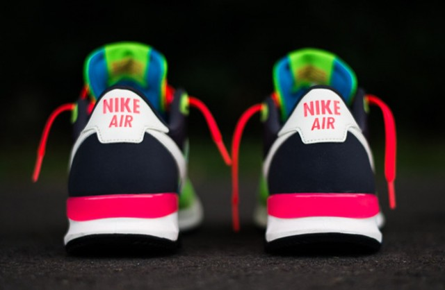 nike-air-pegasus-83-30-blue-hero-flash-lime-4