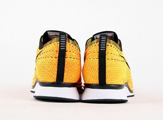 nike-flyknit-racer-yellow-black-6