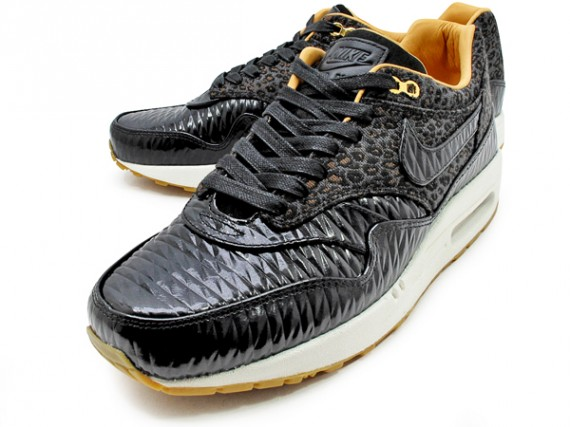 nike-air-max-1-fb-quilted-leopard-02