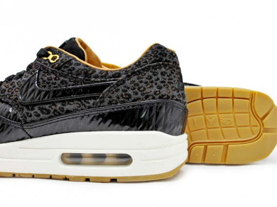 nike-air-max-1-fb-quilted-leopard-03