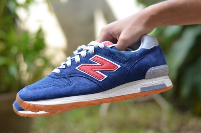 j-crew-new-balance-1400-dark-royal-02