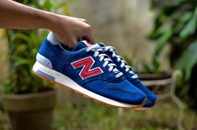 j-crew-new-balance-1400-dark-royal-03