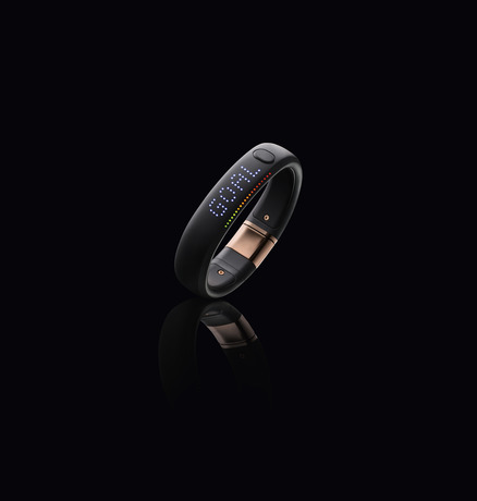 nike-fuelband-rose-gold-02