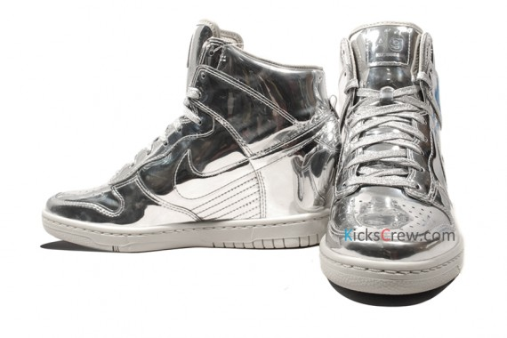 nike-wmns-dunk-sky-high-liquid-metal-pack-02