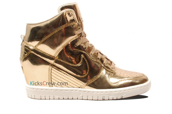 nike-wmns-dunk-sky-high-liquid-metal-pack-06