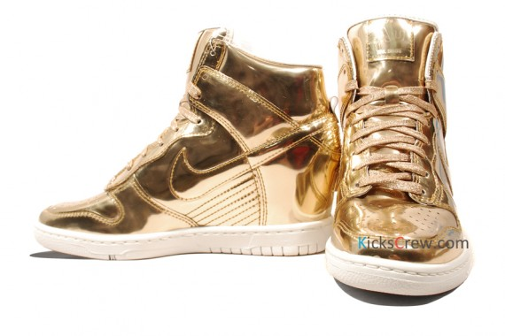 nike-wmns-dunk-sky-high-liquid-metal-pack-07