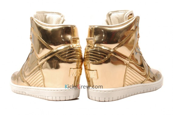 nike-wmns-dunk-sky-high-liquid-metal-pack-08
