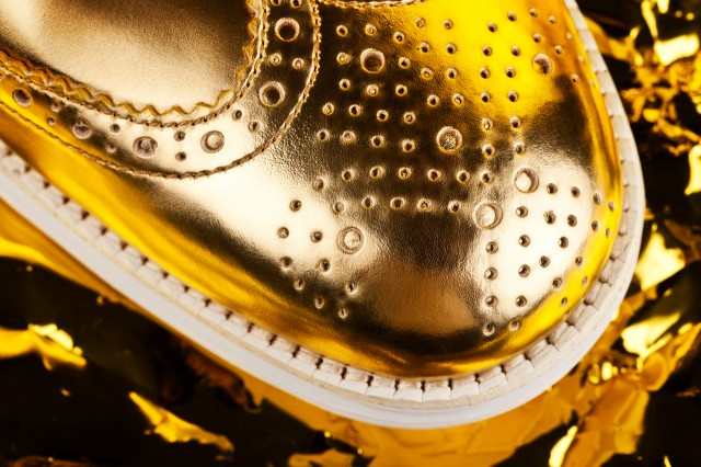 cole-haan-gold-lunargrand-limited-edition-3