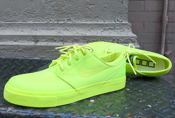 nike-sb-three-squares-studio-zoom-stefan-janoski-lemon-twist-01