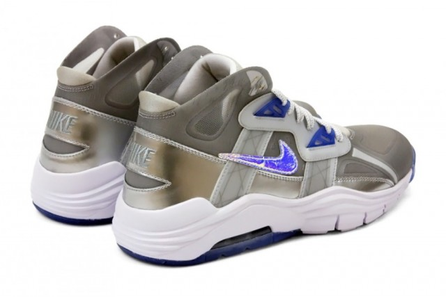 nike-lunar-trainer-sc-180-superbowl-6-900x601