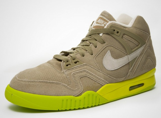 nike-air-tech-challenge-ii-bamboo-1