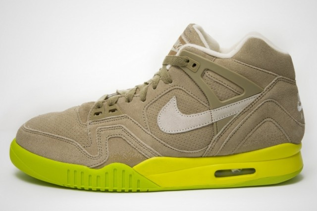 nike-air-tech-challenge-ii-bamboo-2