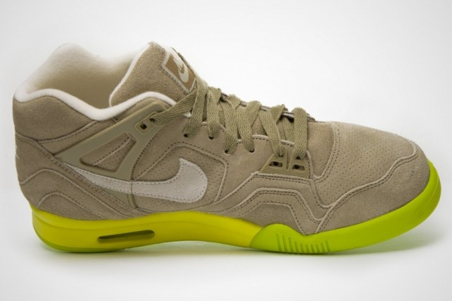 nike-air-tech-challenge-ii-bamboo-4
