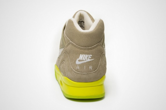 nike-air-tech-challenge-ii-bamboo-6