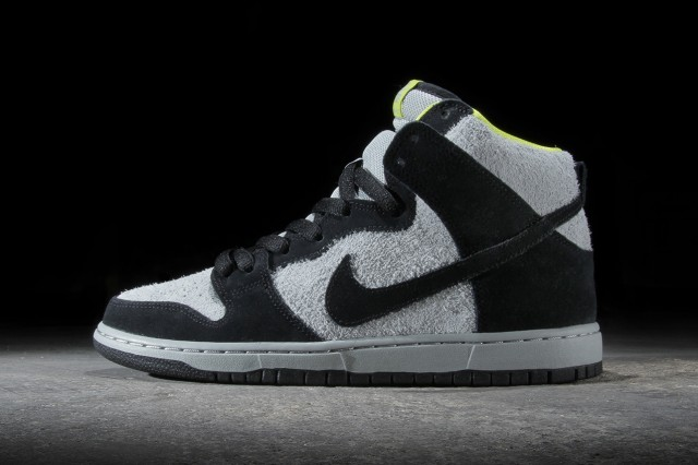 nike-sb-dunk-high-pro-black-base-grey-venom-green-01