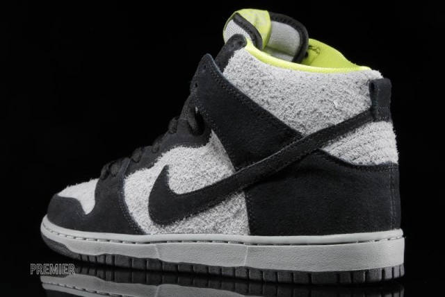 nike-sb-dunk-high-pro-black-base-grey-venom-green-05