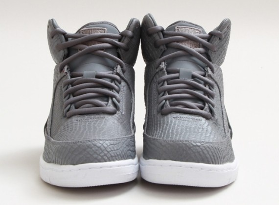 cool-grey-nike-air-python-02-570x420