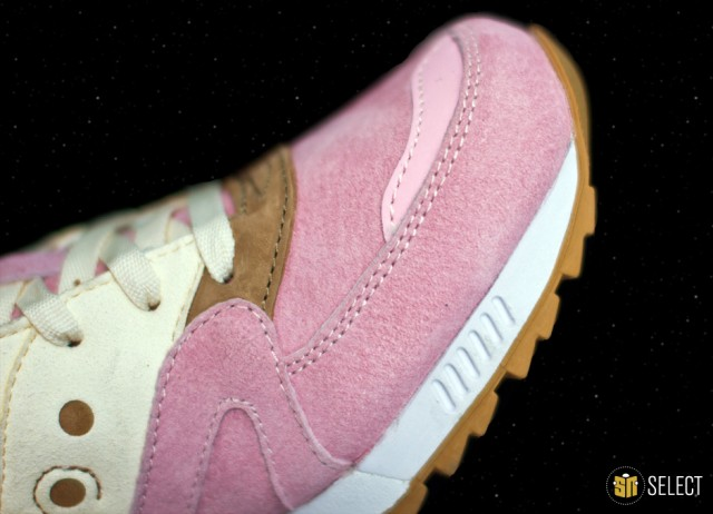 sn-select-extra-butter-x-saucony-10