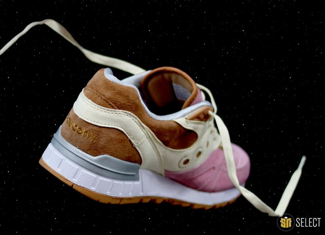 sn-select-extra-butter-x-saucony-8