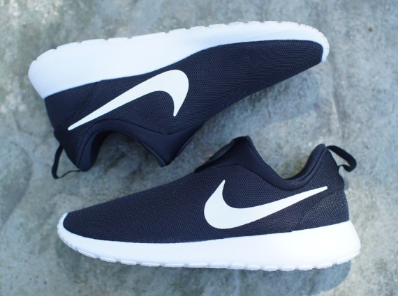 nike-roshe-run-slip-on-black-white-01