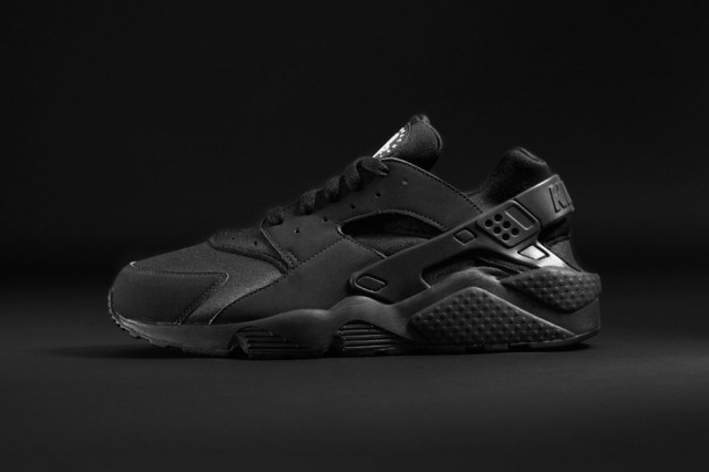foot-locker-teams-up-with-adidas-originals-and-nike-for-exclusive-triple-black-collection-2