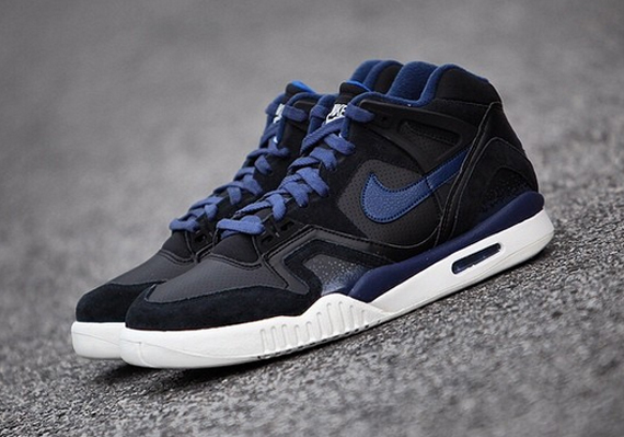 nike-air-tech-challenge-ii-obsidian-2