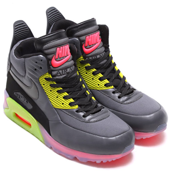 nike-air-max-90-sneakerboot-holiday-2014-preview-1